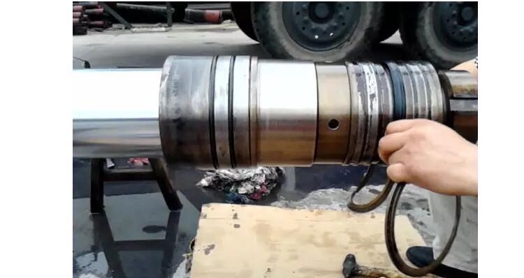 液压旋挖机漏油