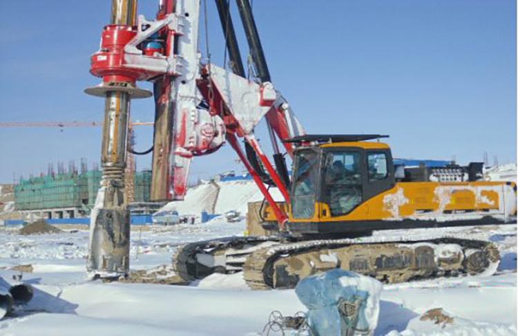 液压旋挖机在严寒季节作业