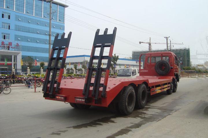 未购买旋挖钻机前经营的货车图片