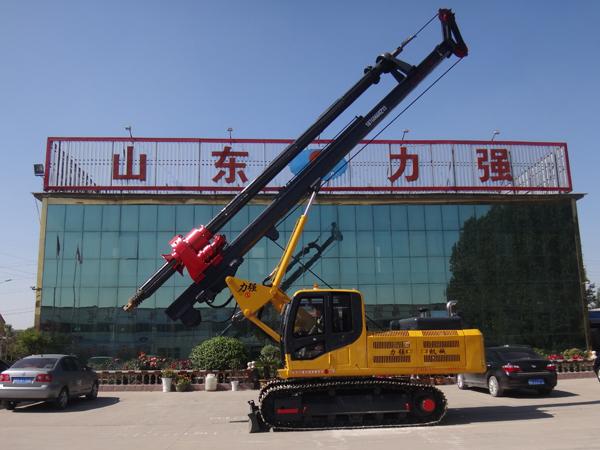 机锁杆旋挖钻机在力强公司操作演示图片
