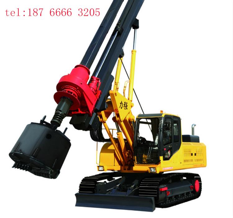采用优质液压泵和液压马达的旋挖钻机图片