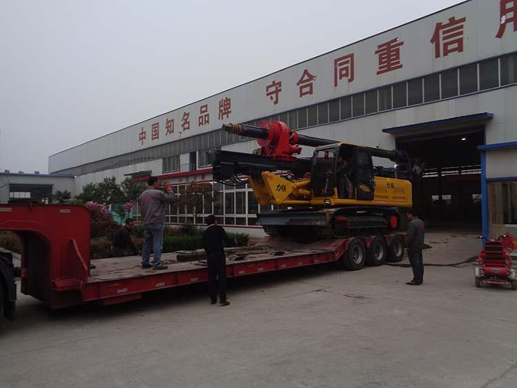 旋挖钻机装卸车须谨慎小心