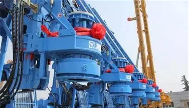 徐工旋挖钻机出口泰国图片