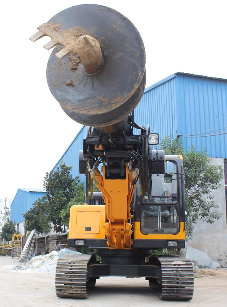 当旋挖机出现漏油应及时维修,避免出现小故障引起大故障的现象发生
