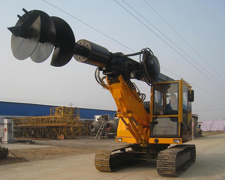 小型旋挖机施工图片