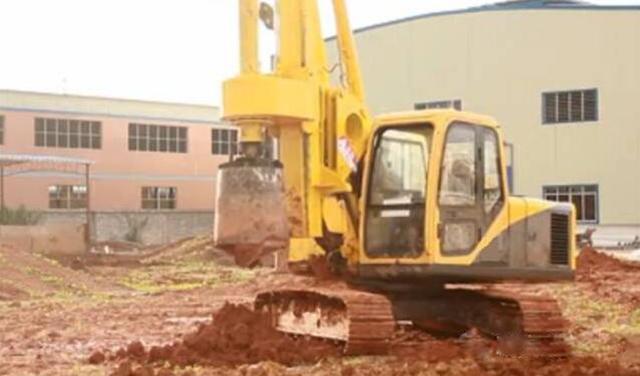 旋挖钻机施工作业图片