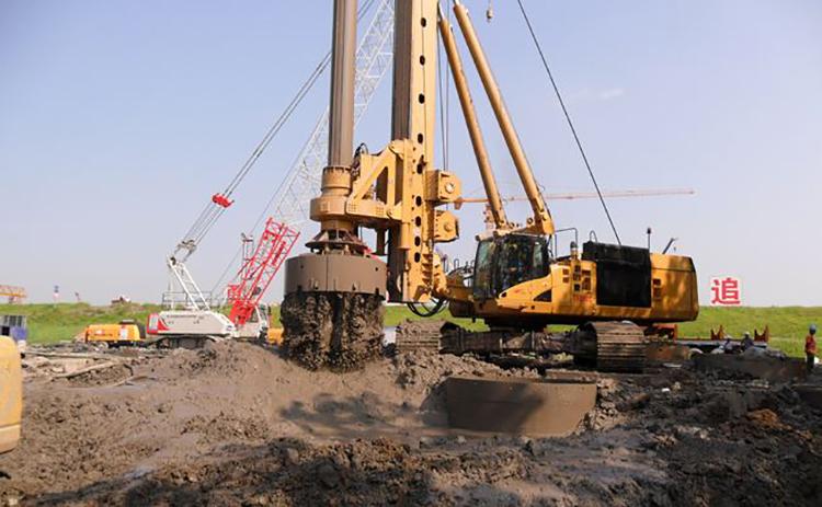 旋挖机在淤泥地层施工要预防地表的沉陷