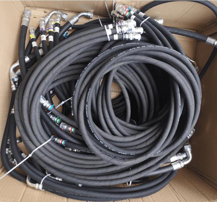 掌握旋挖机油管的快速定制方法能有效的节约时间